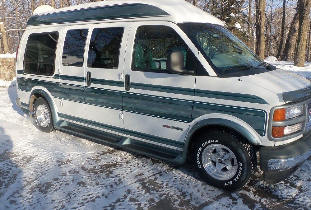 1996 GMC Custom Van (1 of 1)